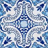 traditionella glasade portugisiska tegelplattor Royaltyfri Fotografi