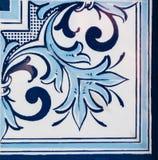 traditionella glasade portugisiska tegelplattor Royaltyfri Bild