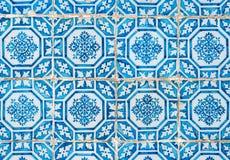 traditionella glasade portugisiska tegelplattor Royaltyfria Bilder