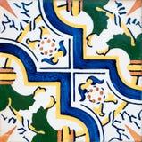 traditionella glasade portugisiska tegelplattor Royaltyfri Foto