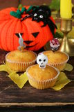 Traditionella halloween behandlar muffin Royaltyfria Bilder