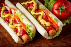 Traditionella hemlagade hotdogs Fotografering för Bildbyråer