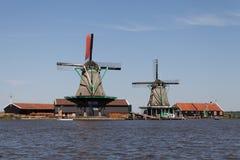 Traditionella holländska windmills Royaltyfri Fotografi