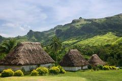 Traditionella hus av den Navala byn, Viti Levu, Fiji Arkivbilder