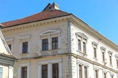 Traditionella hus i Brasov, România Royaltyfri Bild