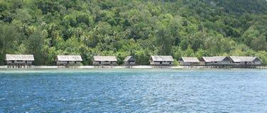Traditionella hus i semesterorten Kri Eco Arkivbilder