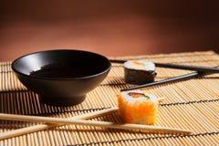 Traditionella japanska matSushi Arkivbild