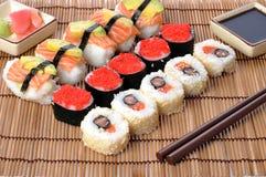 traditionella japanska sushi Royaltyfria Bilder