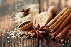 Traditionella julkryddor, matbakgrund Fotografering för Bildbyråer