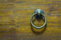 Traditionella Kines-stil dörrhandtag, tappningdörrknopp Fotografering för Bildbyråer
