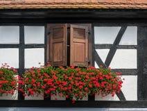 Traditionella korsvirkes- hus i gator av Seebach Arkivfoton