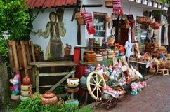 Traditionella krukmakeri och filtar Royaltyfri Foto