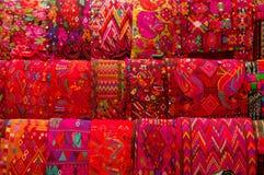 Traditionella mayan textiler Arkivfoton