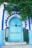 Traditionella moroccan arkitektoniska detaljer i Chefchaouen, Moroc Arkivfoton