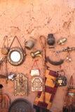 Traditionella moroccan souvenir, souk Ait-Ben-Haddou Kasbah, Moro Arkivfoton