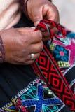 Traditionella peruanska textiler Arkivfoton