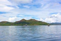 Traditionella Pilipino fartyg i lagun av den Coron ön, Palawan landskap, Filippinerna Royaltyfri Bild