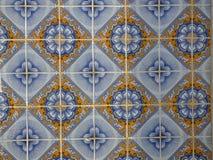 Traditionella portugisiska keramiska tegelplattor arkivbilder