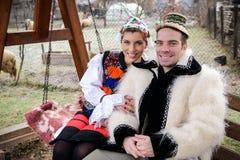 Traditionella romanian kläder Arkivfoton