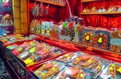 Traditionella souvenir på den europeiska julen marknadsför - en ginge Royaltyfria Bilder