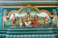 Traditionella statyer i Sri Mahamariamman den hinduiska templet royaltyfri fotografi