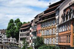 Traditionella trähus i Strasbourg fotografering för bildbyråer
