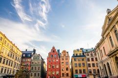 Traditionella typiska byggnader med färgrika väggar, Stockholm, strömbrytare arkivfoto