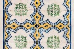 Traditionella utsmyckade portugisiska dekorativa tegelplattaazulejos Royaltyfria Bilder