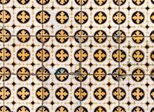Traditionella utsmyckade portugisiska dekorativa tegelplattaazulejos/Abstra Royaltyfria Foton