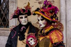 Traditionella venetian karnevalmaskeringar Arkivfoto