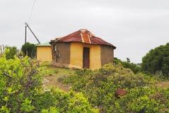 Traditionelle afrikanische Hütte Lizenzfreies Stockfoto