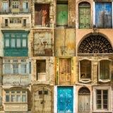 Traditionelle alte Fenstertüren und -balkone an Lizenzfreie Stockfotos