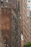 Traditionelle Backsteinbauten in New York City Stockfotos