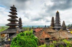 Traditionelle Balinesearchitektur. Der Pura Besakih-Tempel Lizenzfreie Stockfotografie