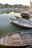 Traditionelle Boote auf dem Flussufer Hoi eine alte Stadt vietnam Stockbilder