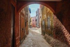 Traditionelle bunte lokale Häuser und Architektur in einem Dorf in EL Jadida lizenzfreie stockfotos