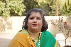 Traditionelle Frau auf Inder village-3 stockbild