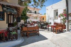 Traditionelle griechische Taverne an Paleochora-Stadt im Westteil von Kreta-Insel Lizenzfreie Stockfotos