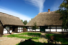 Traditionelle Häuschen, überprüfte Wände. Stockbild