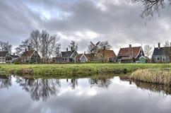 Traditionelle Häuser bei Zaanse Schans lizenzfreie stockbilder