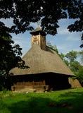 Traditionelle hölzerne Kirche in Rumänien. Lizenzfreie Stockfotografie