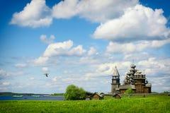 Traditionelle hölzerne russische Kirche auf der Insel von Kizhi Lizenzfreie Stockbilder