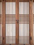 Traditionelle hölzerne Tür Stockfotos