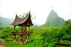 Traditionelle Hütte hinunter die Schlucht Stockfoto