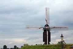 Traditionelle holländische Windmühle in Heusden, das Netherl Stockfotografie