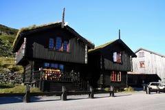 Traditionelle Holzhäuser, Norwegen, Skandinavien lizenzfreies stockbild