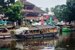 Traditionelle indische Boote in Alleppey Lizenzfreies Stockfoto