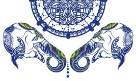 Traditionelle indische Elefanten mit dekorativen Elementen lizenzfreies stockbild