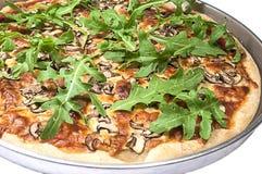 Traditionelle italienische Pizza mit Arugula. Lizenzfreies Stockbild