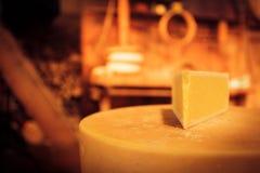 Traditionelle Käseherstellung Lizenzfreies Stockfoto